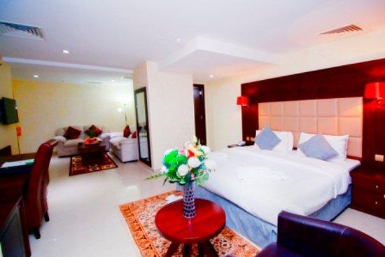 Royal Falcon Hotel: suite