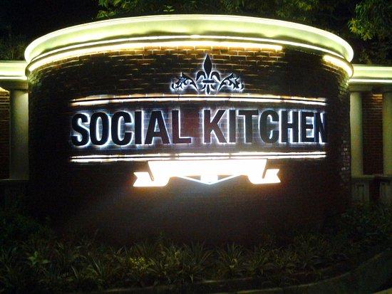 Amazing Social Kitchen: Dinner
