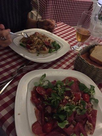 Castellucchio, Italia: insalata seppie e carpaccio angus