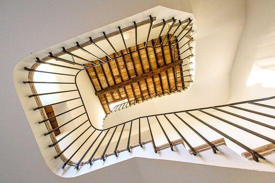 Borgo di Bastia Creti: Una bella scalinata- a beautiful staircase