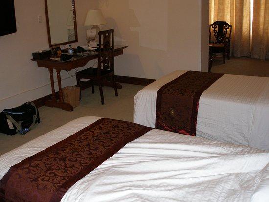 Hotel Continental Saigon: Room