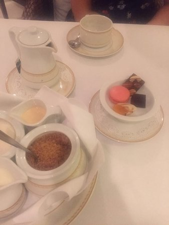 Top Of The Reef at Cape Panwa Hotel : Petit fours