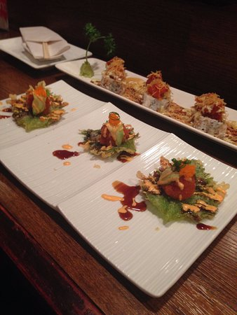 Deer Park, IL: Spicy Tuna served on fried mint leaf - amazing