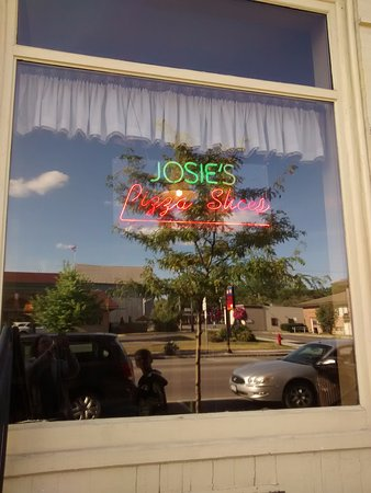 Canton, NY: Josie's Pizza Shop