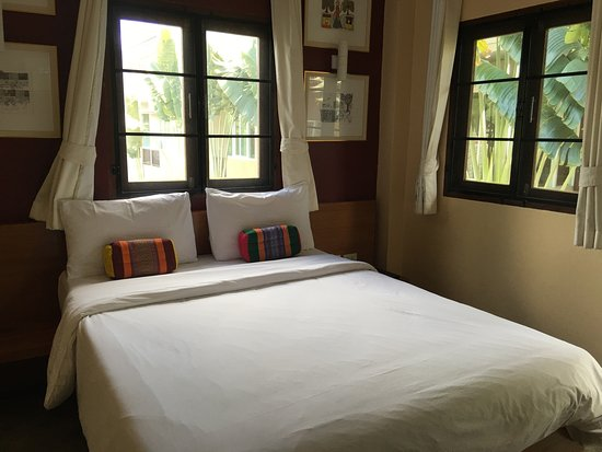 LiLu Hotel : Looked like a decent stay only to find ants everywhere.