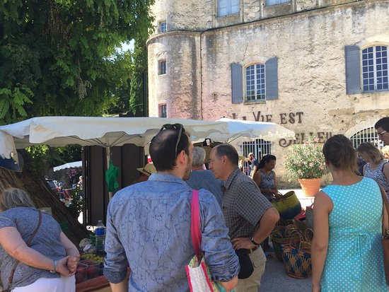 Cucuron, Frankrijk: Tuesday morning market
