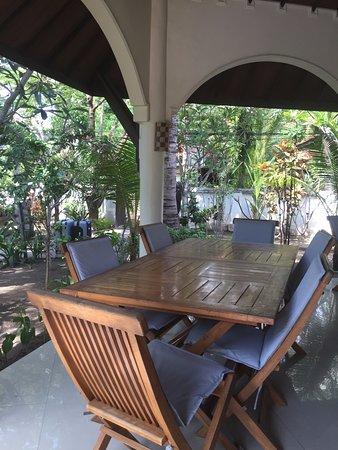 Martas Hotel: Terrasse collective pour petits déjeuners