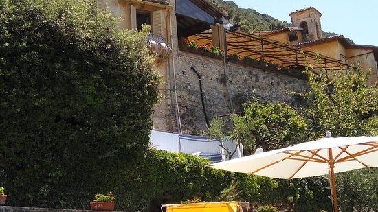 Monteluco, Италия: Relax in piscina
