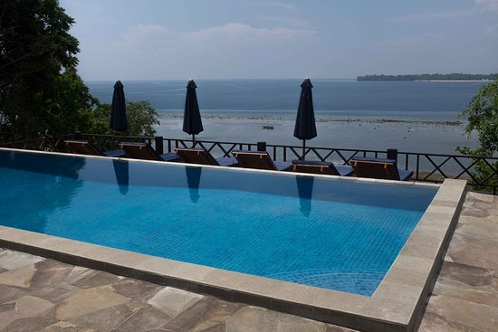 Raja laut coral view updated 2019 prices cottage reviews bunaken island indonesia - Raja laut dive resort ...