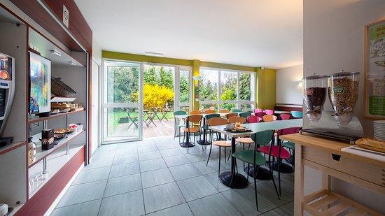 b b hotel evry lisses 2 frankrig hotel anmeldelser sammenligning af priser tripadvisor. Black Bedroom Furniture Sets. Home Design Ideas