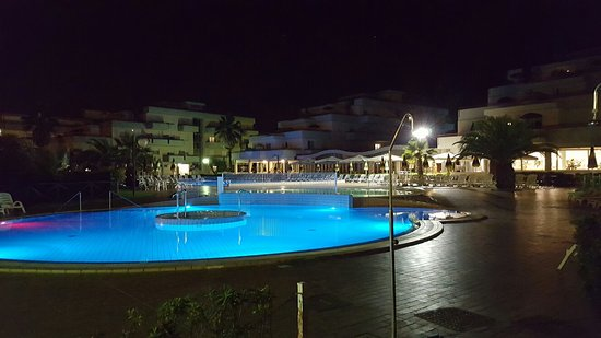 spiaggia - Picture of Residence Hotel Le Terrazze, Grottammare ...