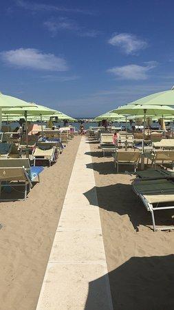 Bagno piciacia 46 bellaria igea marina it lie recenze for Bagno 72 rimini