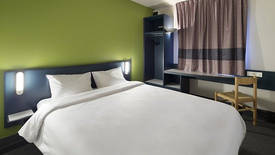 b b hotel nantes atlantis le zenith reviews price comparison saint herblain france. Black Bedroom Furniture Sets. Home Design Ideas