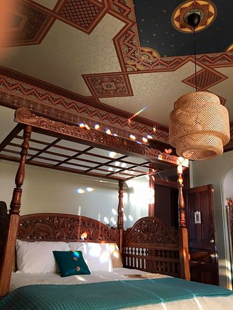 Lumber Baron Inn & Gardens: Check out the amazing detail in the suite