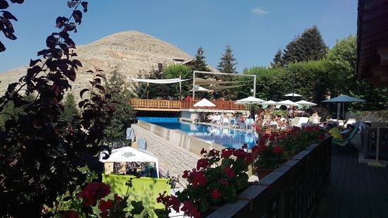 Kfardebian, เลบานอน: view of the pool