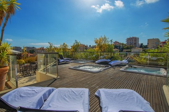Excelsuites Hotel - Residence : Jaccuzi