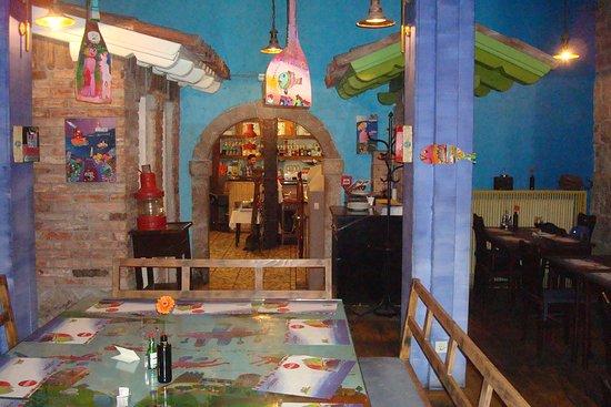 Zlatna Skoljka: Inside the restaurant
