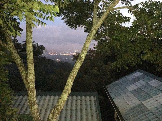Hotel Buena Vista: View of valley from villa balcony