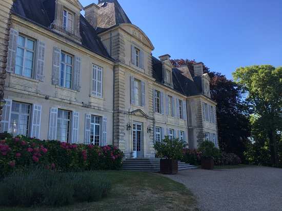 Curzay-sur-Vonne, Frankrike: Back of the chateau