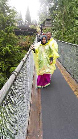 North Vancouver, Canada: On the bridge