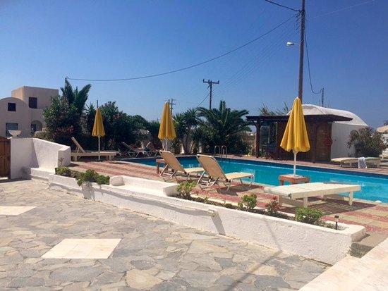 Santorini Breeze: Pool Area