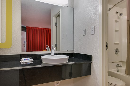 Motel 6 Baltimore - Camden Yards: Guest Room