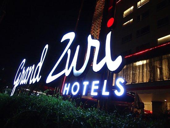 Grand Zuri Padang Hotel: Great logo