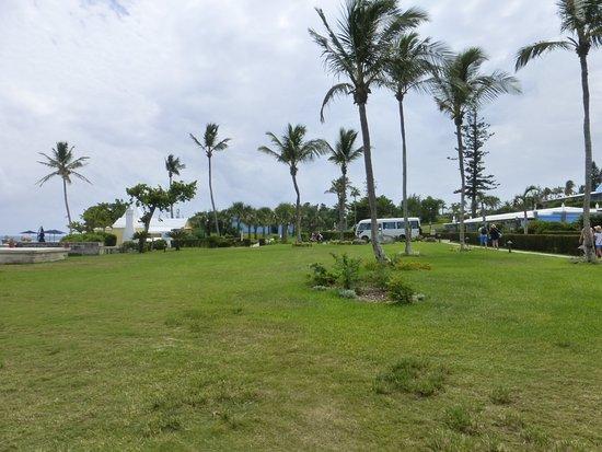 Elbow Beach, Bermuda: Hotel Grounds Above Beach
