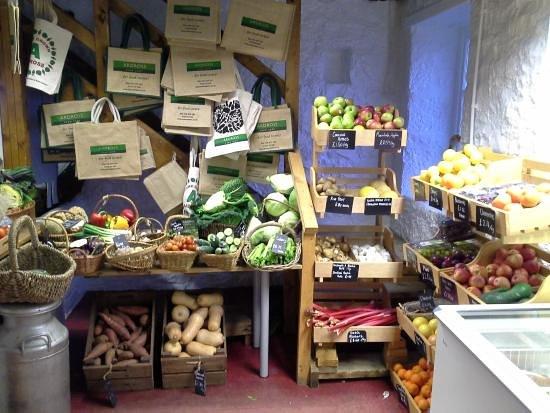 Файф, UK: Veg selection at Ardross farm shop (we did lots of shopping)