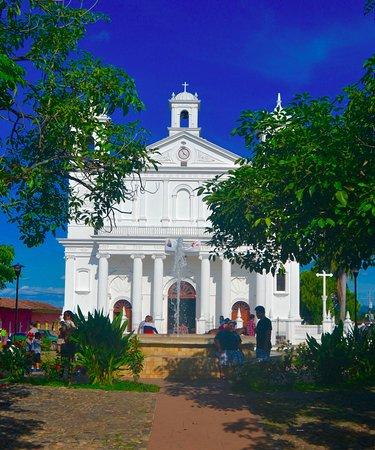 Antiguo Cuscatlan, El Salvador: Church in Suchitoto.