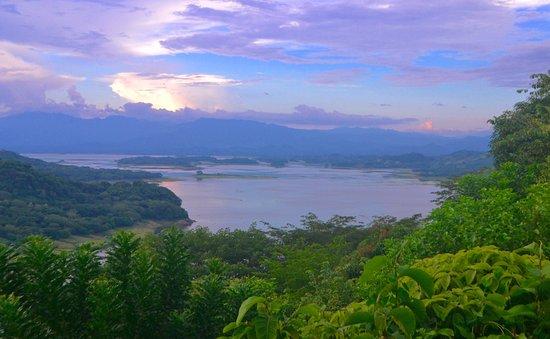 Antiguo Cuscatlan, El Salvador: Natural beauty abounds.
