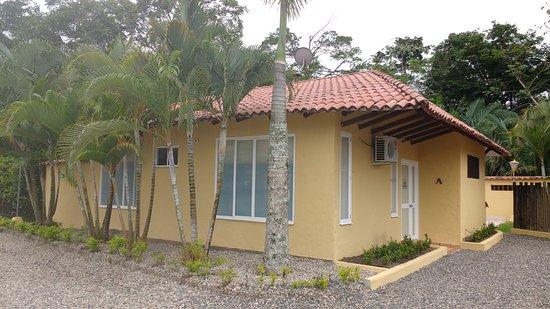 Hotel Paloverde - Villas Campestres: La entrada de las villas lo máximo cada una cuenta con su piscina privada