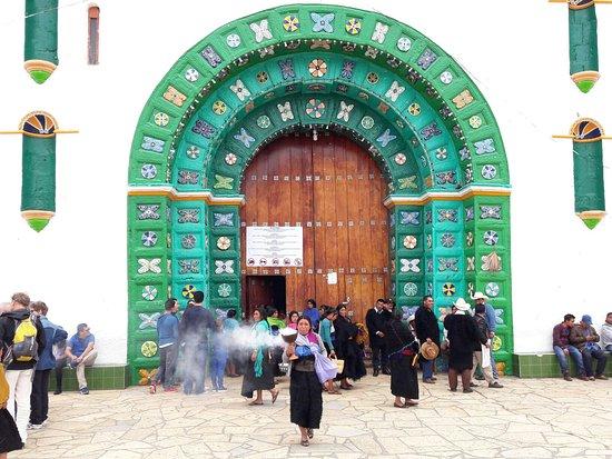 San Juan Chamula, México: Entrée de l'église