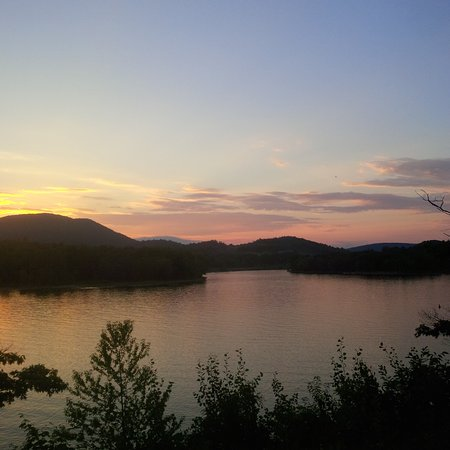 Northville, estado de Nueva York: View from the Inn at sunset