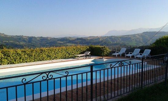 Sant'Angelo In Pontano, Italia: piscina