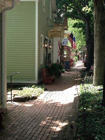 Coshocton, Огайо: Street Scene Roscoe Village
