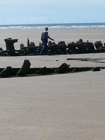 Pembrey, UK: Wreck on beach nr park