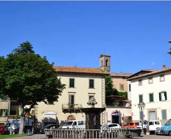 Castel Del Piano, İtalya: piazza Garibaldi