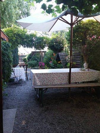 Ostheim, Prancis: vue de la table de notre petit déjeuner