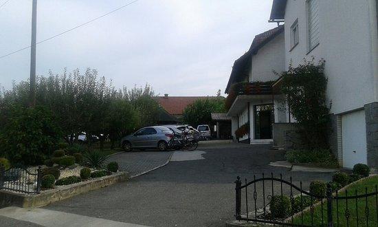 Guesthouse Pri Storklji