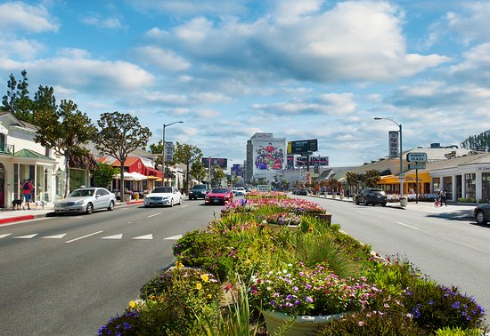 Shopping, people watching and celeb spotting when you visit West Hollywood's historic Sunset Pla