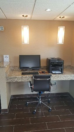 Comfort Inn Newport News/Williamsburg East: Business Center