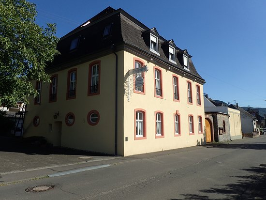 Wintrich, Alemania: Markant gebouw