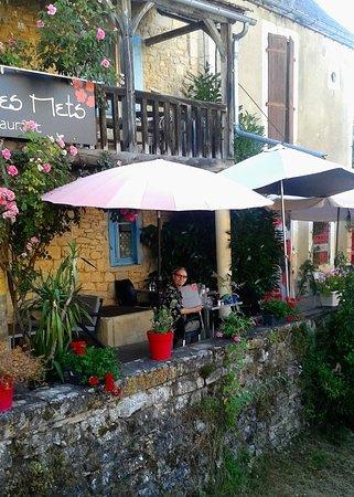 Saint-Pompont, Frankrig: La terrasse du restaurant