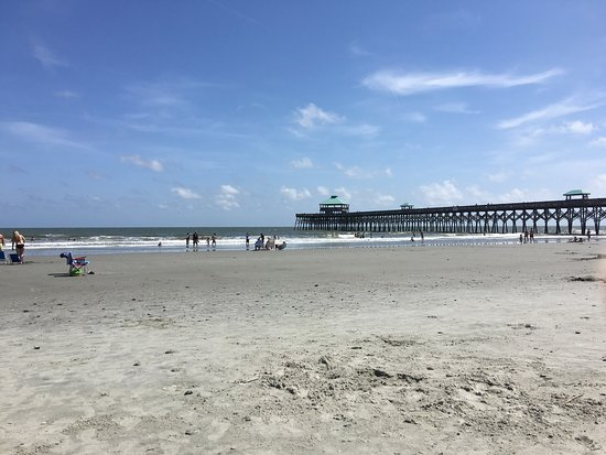 Folly Beach, Carolina del Sur: Beautiful beach!!! Could have spent my entire trip here💙