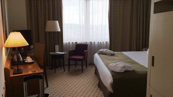 Corinthia Hotel Prague: Ein klasse Hotel mit außerordentlich höflichen Service!