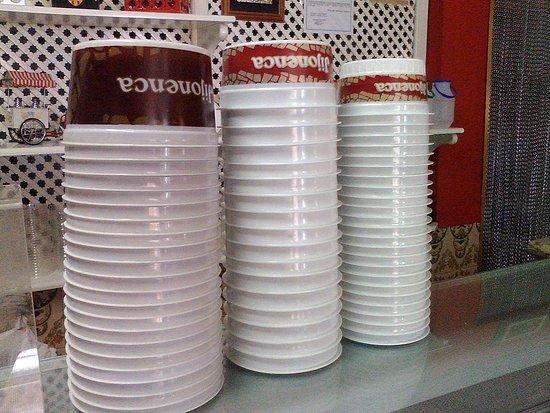 Enguera, Ισπανία: Tarrinas de helado. Laa Jijonenca