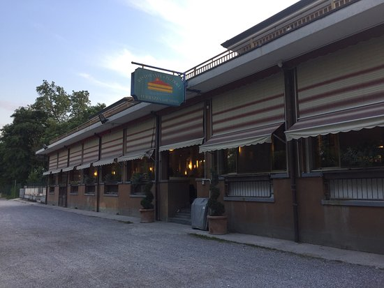 Facciata esterna - Foto di La Terrazza sull\'Adda, Trezzo sull\'Adda ...