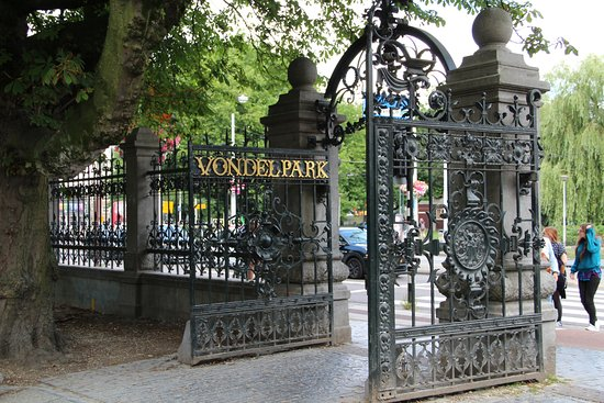 portail d 39 entr e du parc picture of vondelpark amsterdam tripadvisor. Black Bedroom Furniture Sets. Home Design Ideas