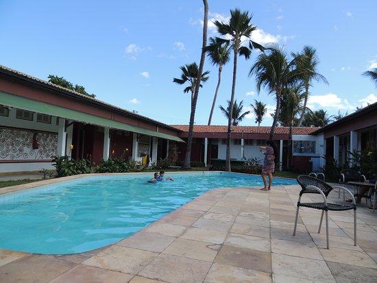 Ilha do Amor Hotel : Apartamentos ao redor da piscina.